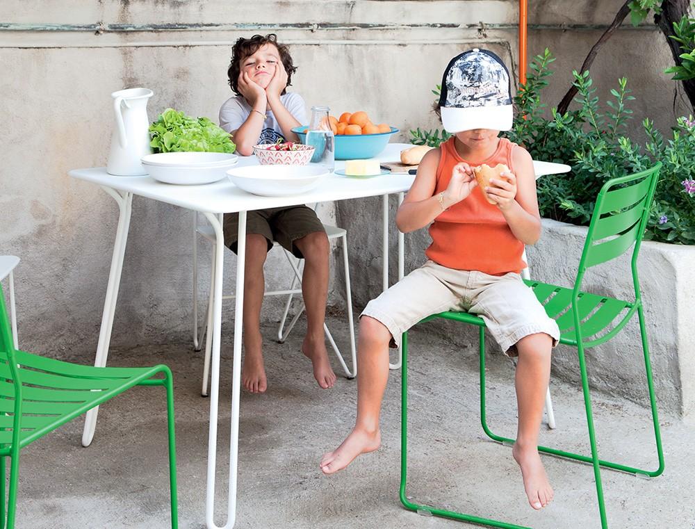 Table 120x78cm Surprising Fermob - Les Jardins d\'Héméra