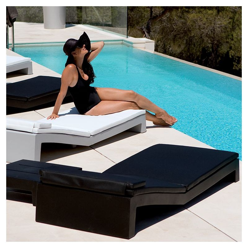 coussin pour bain de soleil jut vondom les jardins d 39 h m ra. Black Bedroom Furniture Sets. Home Design Ideas